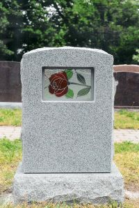 Stained-glass-tombstone-704138